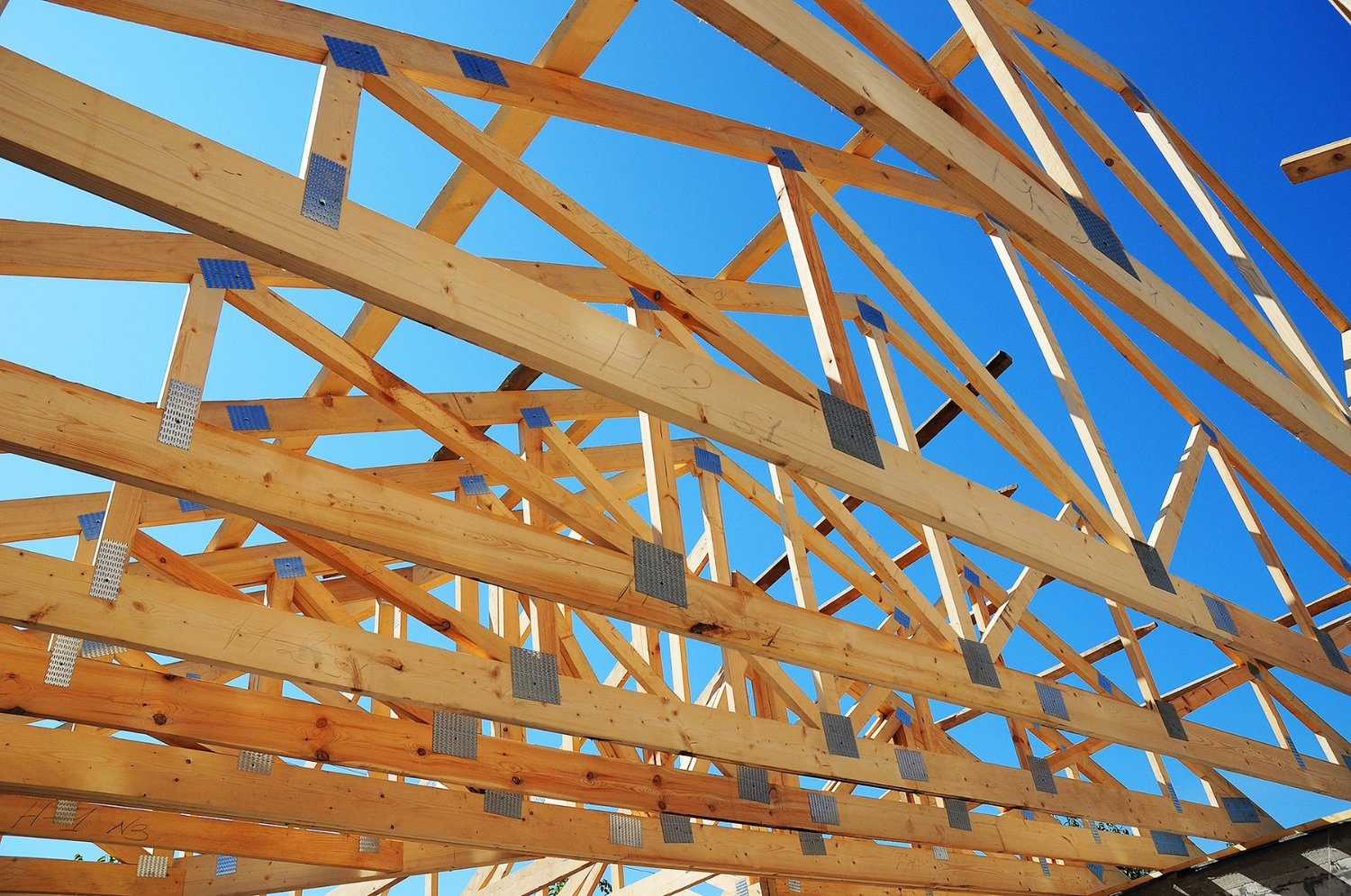 Difference Between Truss Roof And Pitched Roof The Do S